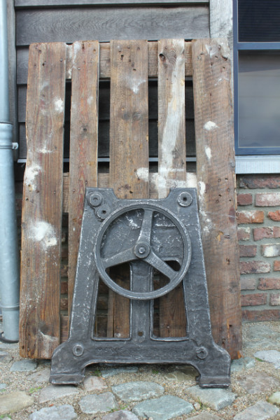 Verrassend Industriëel onderstel in gietijzer met wiel 1 - Miscellaneous LU-07